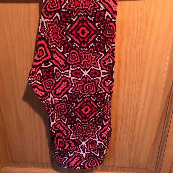 7ee92e973f2eb2 LuLaRoe Pants | Nwt Os Llr Graffiti Red Pink Leggings | Poshmark